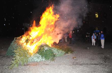 Epiphany tree burning